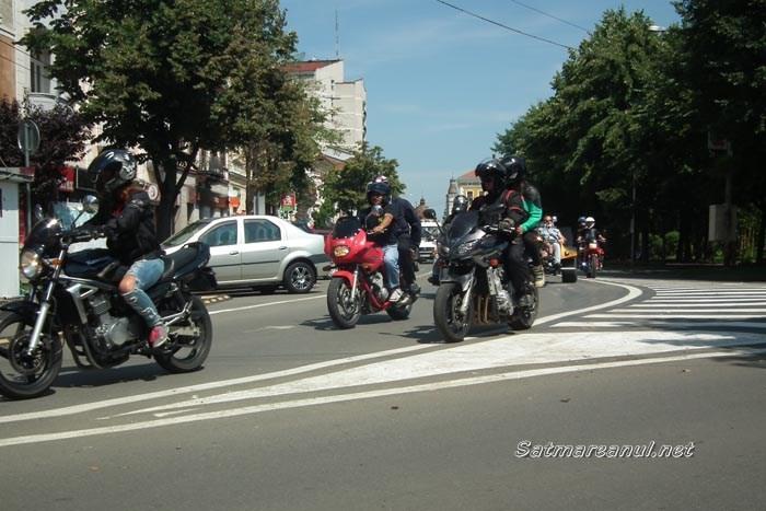 """Motocicliștii vor """"invada"""" Sătmarul. Când și unde poți să-i vezi"""