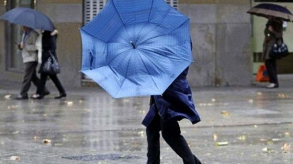 Se schimba vremea ! Ploi si rafale de vant !