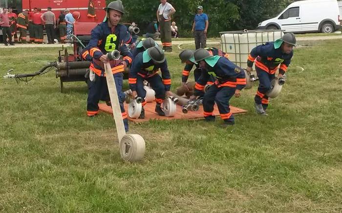 Pompierii s-au întrecut în localitatea Turulung (Foto)