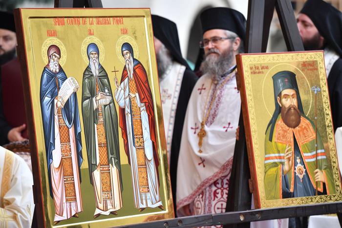 Avem patru noi sfinți ! Cine sunt cei canonizați de Biserica Ortodoxă