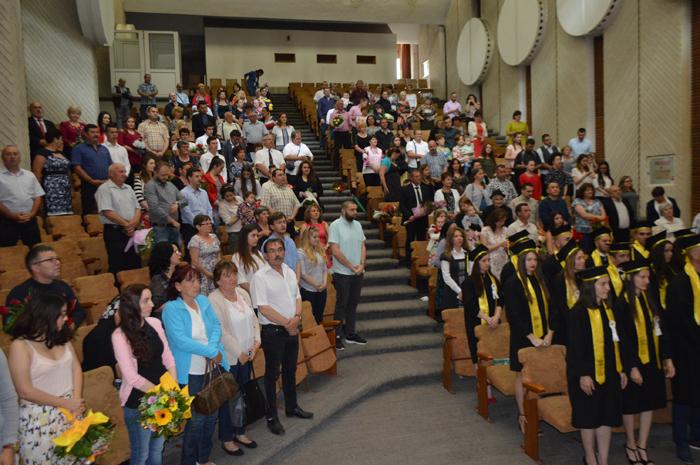 38 de studenți au terminat în acest an Facultatea de Administrație Publică Satu Mare (Foto&video)