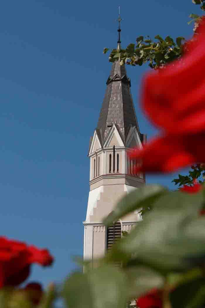 """Hramul diecezan """"Inima lui Isus"""" va fi precedat şi anul acesta de celebrarea novenei"""