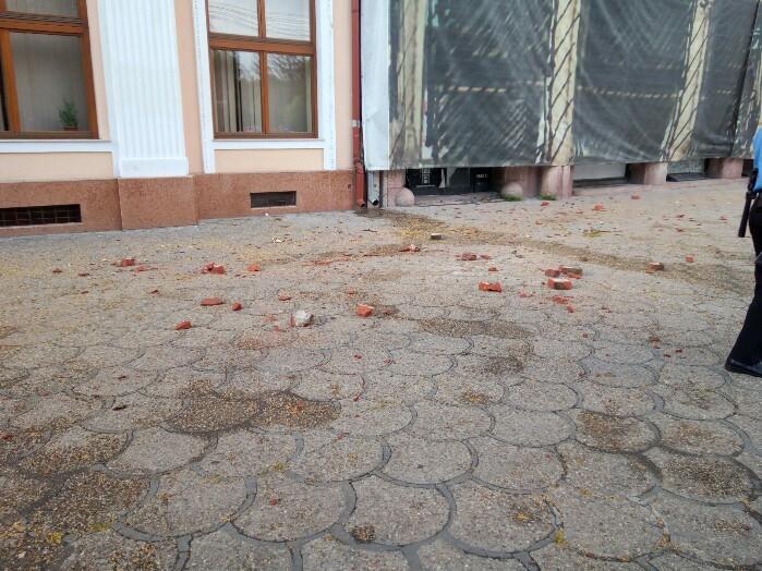Furtuna e de vină? Hotelul Dacia se dezmembrează ! (Foto&video)