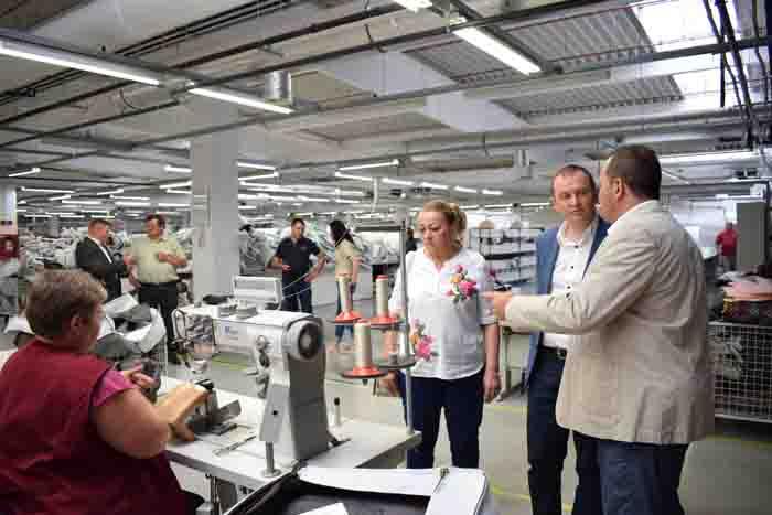 Prefectul Darius Filip, în vizită la fabrica Polipol