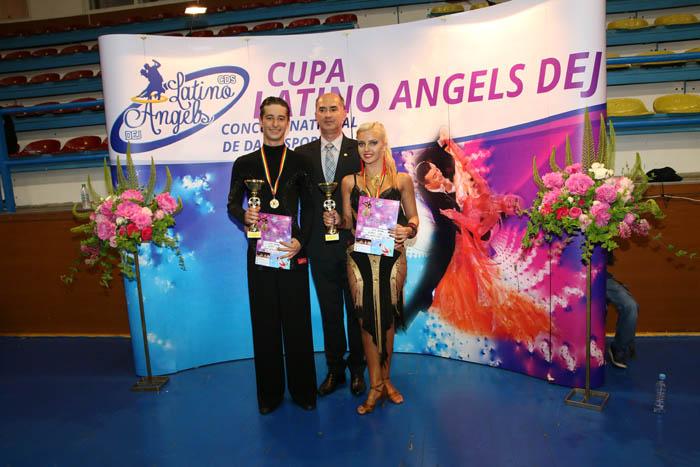 Trei medalii pentru Royal Dance Club la Concursul Național de la Dej (Foto)