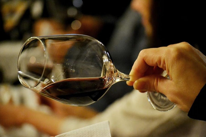 Invitație la degustare de vinuri ! Vezi ce licori avem în județ