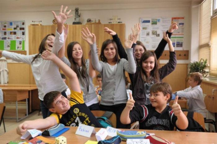 Elevii și preșcolarii intră în vacanța de vară