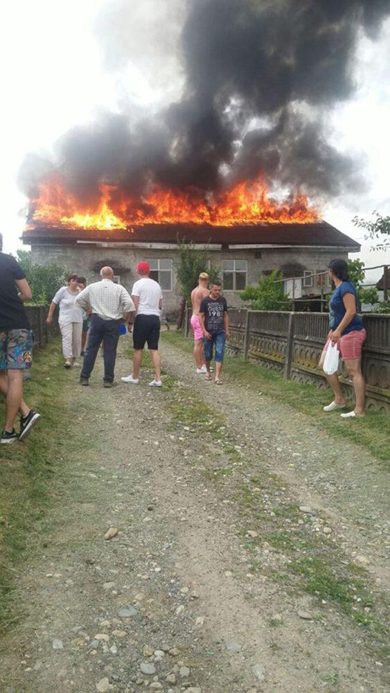 Ce spun pompierii despre incendiul de la brutăria din Poiana Codrului