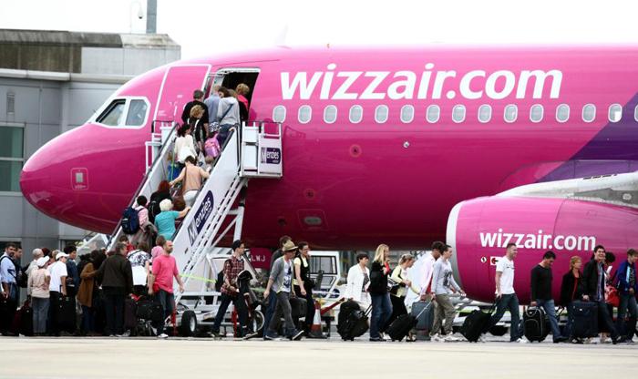 Companii aeriene, suspecte de practici necurate. Wizz Air vizat