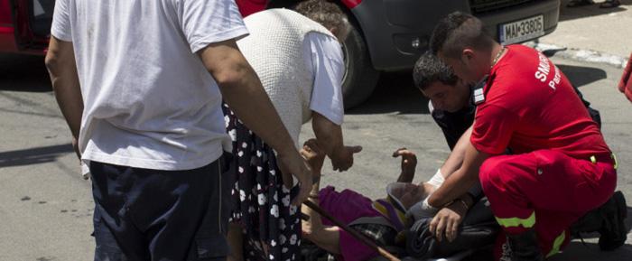 Bătrână lovită de o mașină. Femeia, în stare gravă la spital