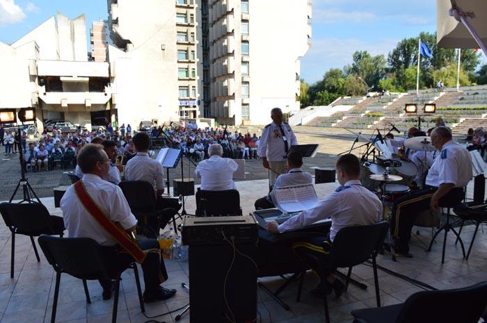 Concert de fanfare în Centrul Nou