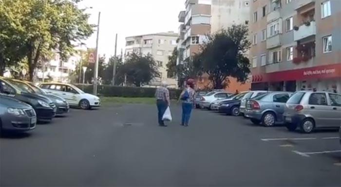 Vezi cum circulă pietonii pe străzile din Satu Mare (Video)