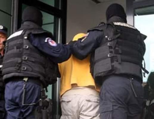 Doi condamnati, retinuti de politisti