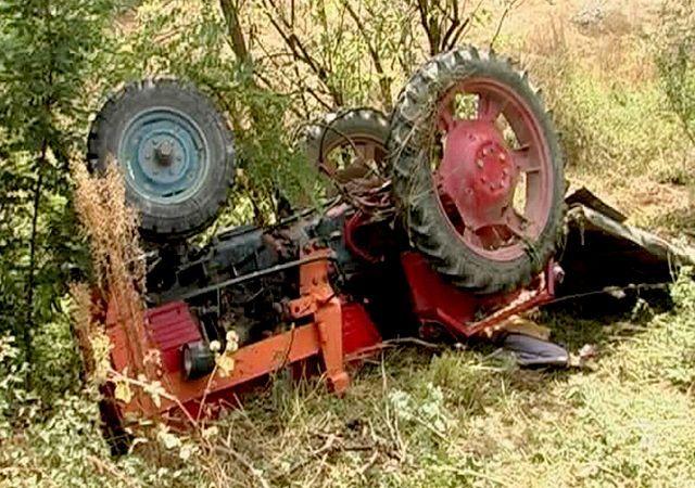 Un tractorist neatent a făcut ravagii. Clipe de groază pentru un sătmărean