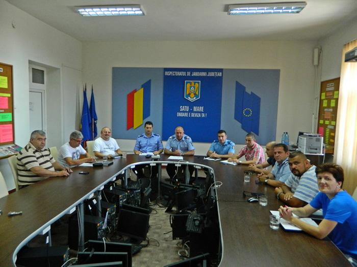 Jandarmii s-au întâlnit cu reprezentanții cluburilor sportive