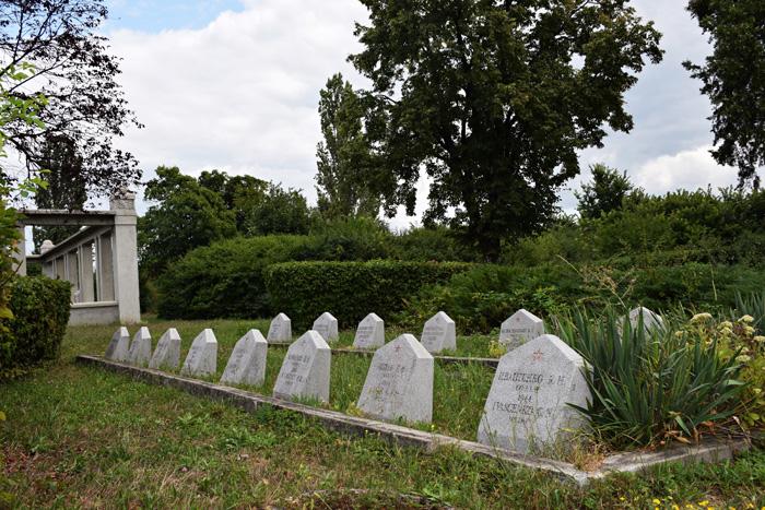 Primăria vrea să reabiliteze Cimitirul Eroilor