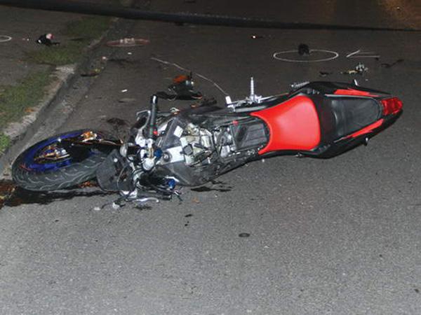 A ajuns cu motocicleta în șanț. Motociclistul, aproape de coma alcoolică
