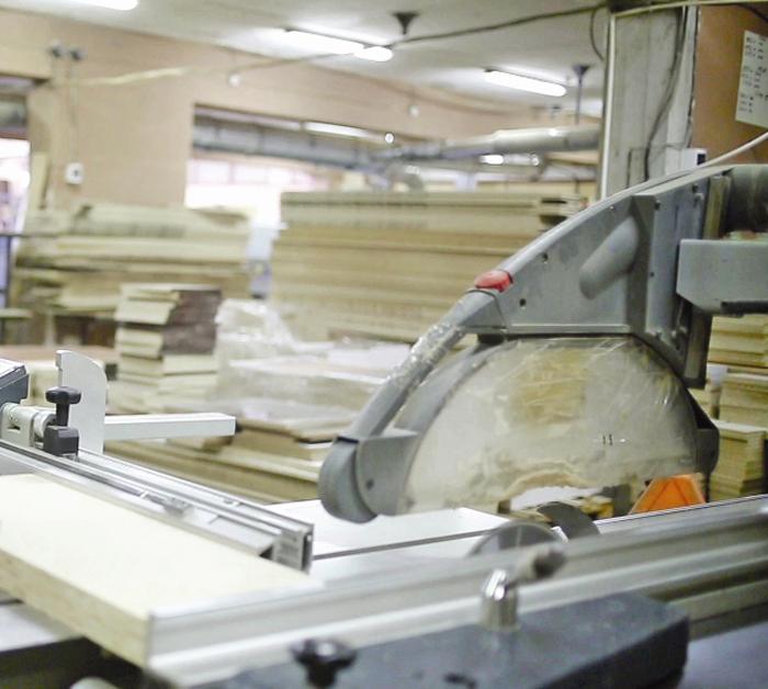 Ce spune conducerea fabricii de mobilă din Medieș despre accidentul de muncă