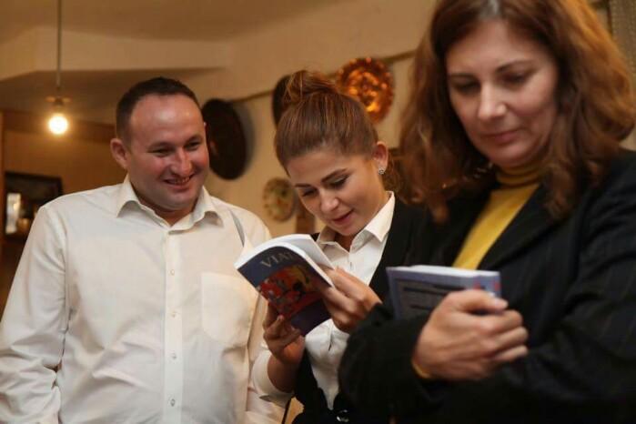 Lansare de carte în Baia Mare. Deputatul Ioana Bran și consilierul local Ciprian Crăciun, printre invitați