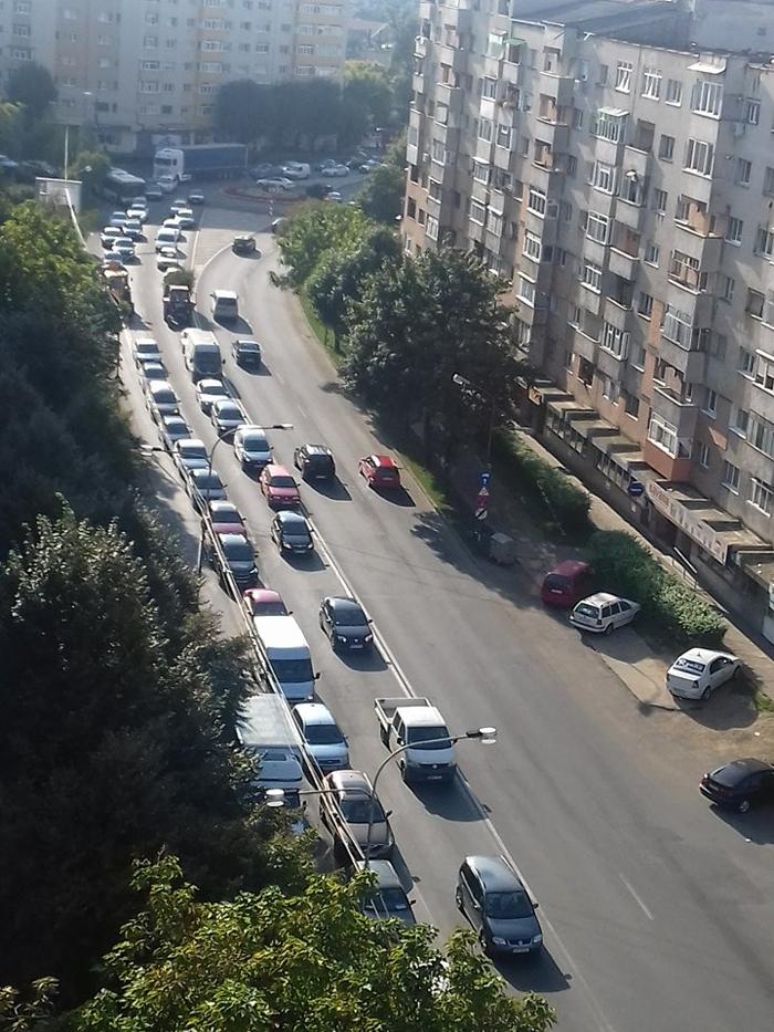 A început școala … dar și nervii în trafic (Foto&video)