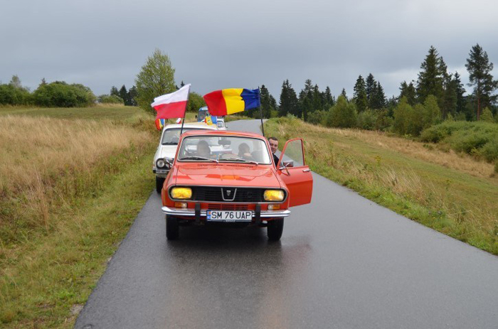 Trei echipaje din Satu Mare participă la parada automobilelor din Polonia