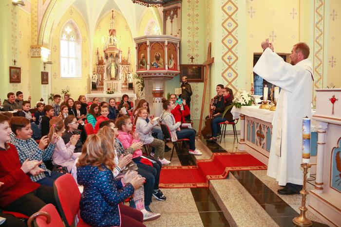 Tinerii romano-catolici din toată țara s-au întâlnit la Satu Mare (Galerie foto)