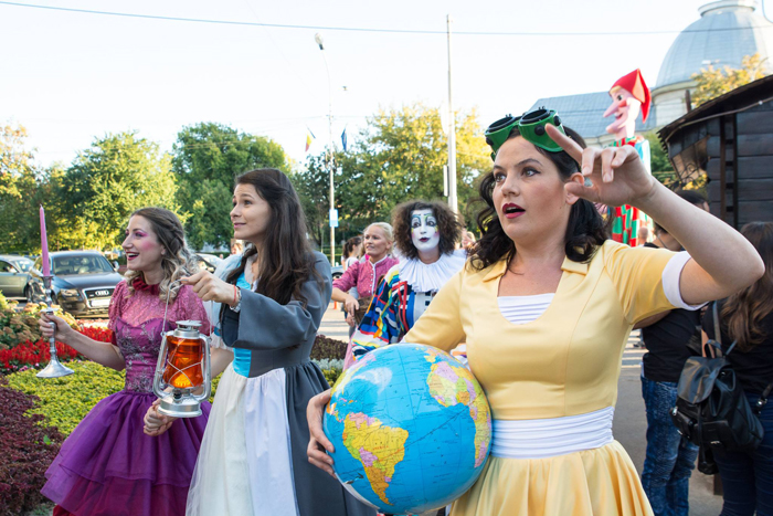 Spectacol inedit în deschiderea Festivalului Internațional de Teatru de la Satu Mare (Galerie foto)