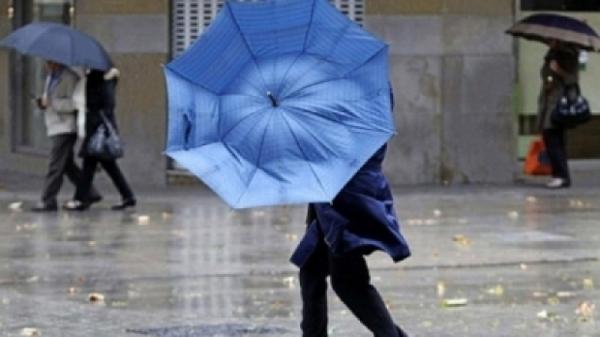 Meteorologii anunta vant puternic si ploi