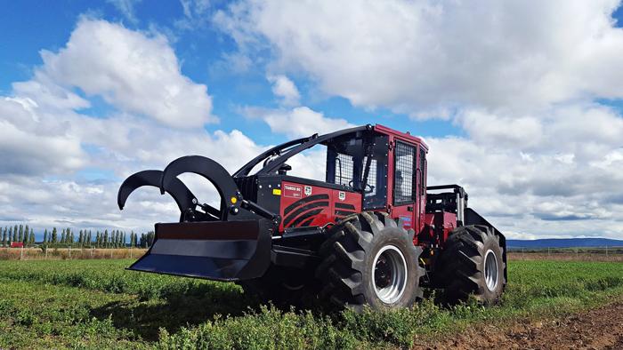Cum arată primul tractor forestier fabricat în orașul Ardud (Foto)