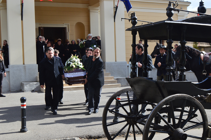 Adio, Vasile Blaga. Îndrăgitul actor, aplaudat în fața Teatrului de Nord (foto&video)