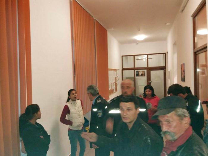 Descinderi pe Horea 6. Peste 100 de persoane legitimate (foto)