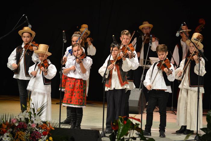 """Festivalul """"Danțu' Mânânțăilor"""" și-a desemnat câștigătorii (Foto)"""