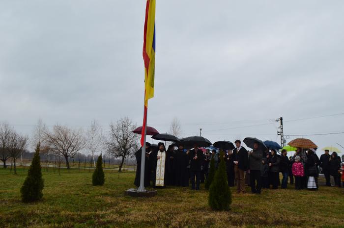 Catarg și Drapelul României, inaugurat la Mănăstirea Scărișoara