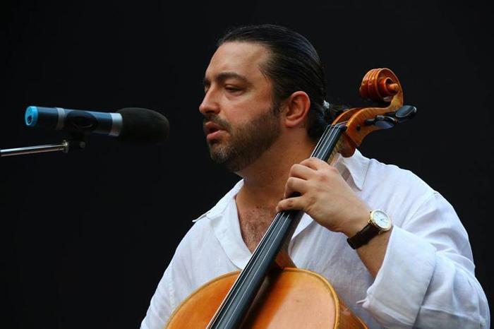 Violoncelistul Adrian Naidin, în premieră la Satu Mare