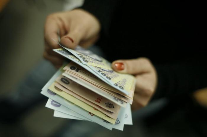 Salariul de bază minim brut pe ţară garantat în plată se majorează