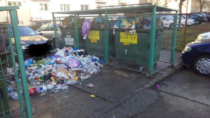 Munți de gunoaie peste tot în municipiu ! Ce face Florisalul ? (Foto)