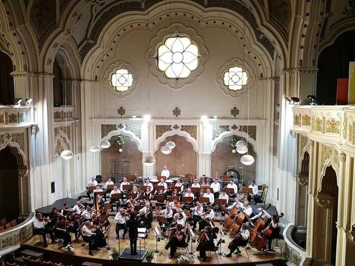 Concert Extraordinar de Anul Nou, joi, la Filarmonică