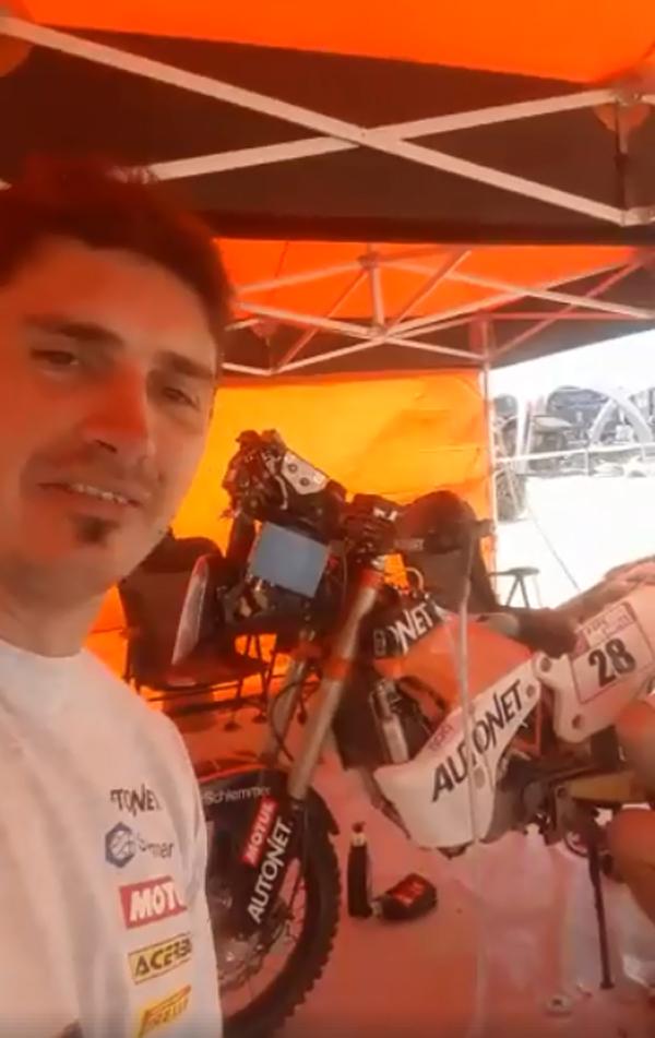 Etapă grea pentru concurenții de la Dakar ! Au de parcurs peste 700 de km (Video)