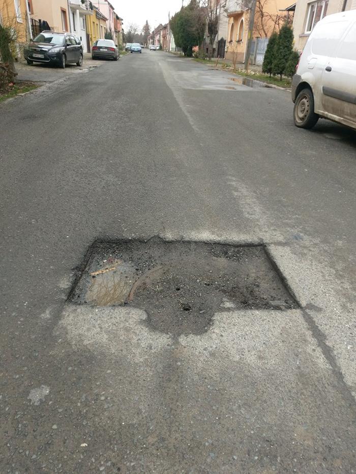 Șoferii, revoltați ! Cratere peste tot pe străzile din municipiu (Foto)