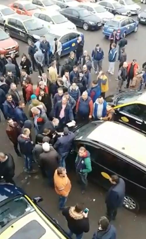 Taximetriștii au protestat azi la Satu Mare