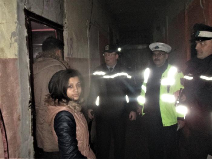 Noapte de pomină pentru cei de pe Horea 6. S-au trezit cu polițiștii la ușă (Fotogalerie)