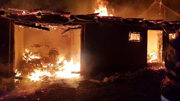 Panică în Huta Certeze. O casă a luat foc (Fotogalerie&video)