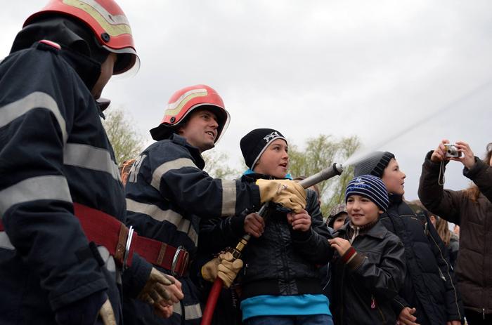 Ziua porților deschise la pompieri. Când va avea loc