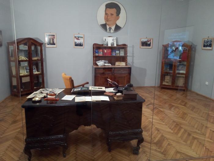Arc peste timp. Cum arăta biroul prim-secretarului Iosif Uglar (Fotogalerie)