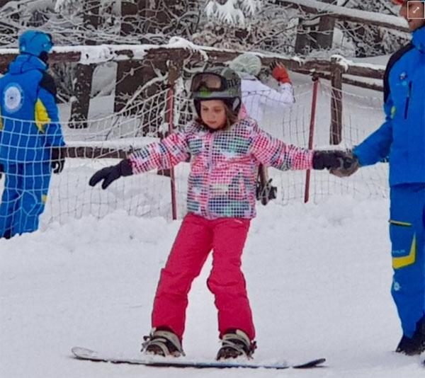 O fetiță de 8 ani a uimit salvamontiștii. Este din Satu Mare și merită tot respectul