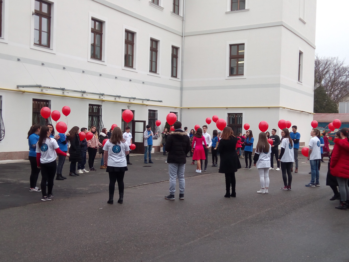 """Dragobetele, sărbătorită de elevii Colegiului Național """"Doamna Stanca"""" (Video)"""