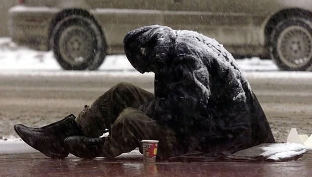 Poliția Locală adună persoanele fără adăpost de pe străzi