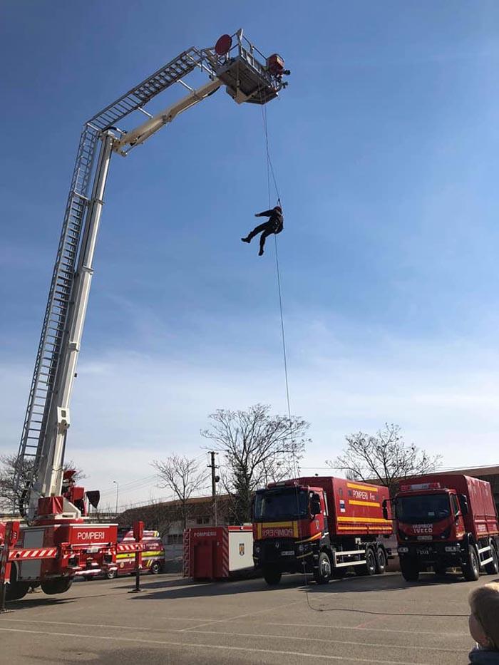 Salvare de la înălțime. Pompierii au intervenit de urgență (Fotogalerie)