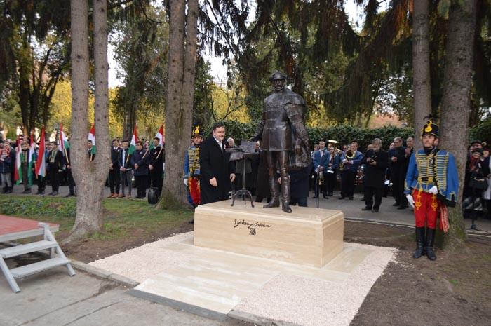 Statuia lui Szechenyi Istvan, dezvelită în centrul Sătmarului (Foto)
