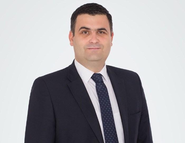 Gabriel Les sustine familia traditionala. Discurs in Parlamentul Romaniei